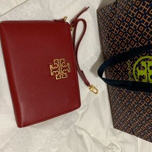 Tory Burch new large pouch